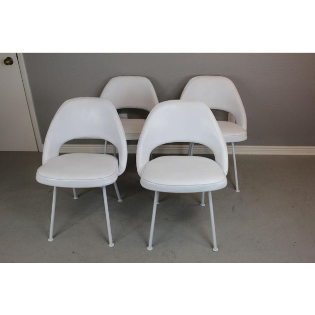 Eero Saarinen for Knoll Dining Table & Chairs -S/5 - Image 7 of 11