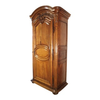 Exceptional 18th Century Walnut Wood Bonnetiere from France