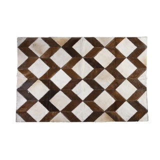 "Square Chevron Cowhide Patchwork Area Rug - 5'5"" x 7'11"""