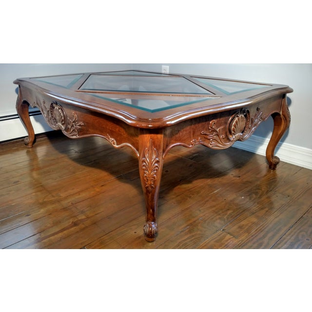 Ethan Allen New Country Coffee Table: Ethan Allen French Country Coffee Table