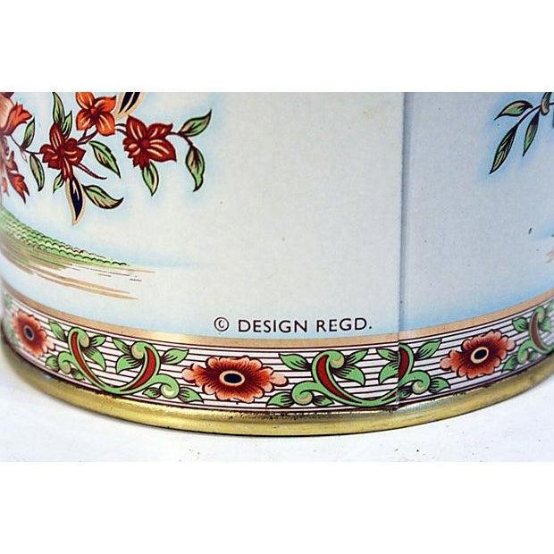 English Floral Tin Lidded Box - Image 4 of 6