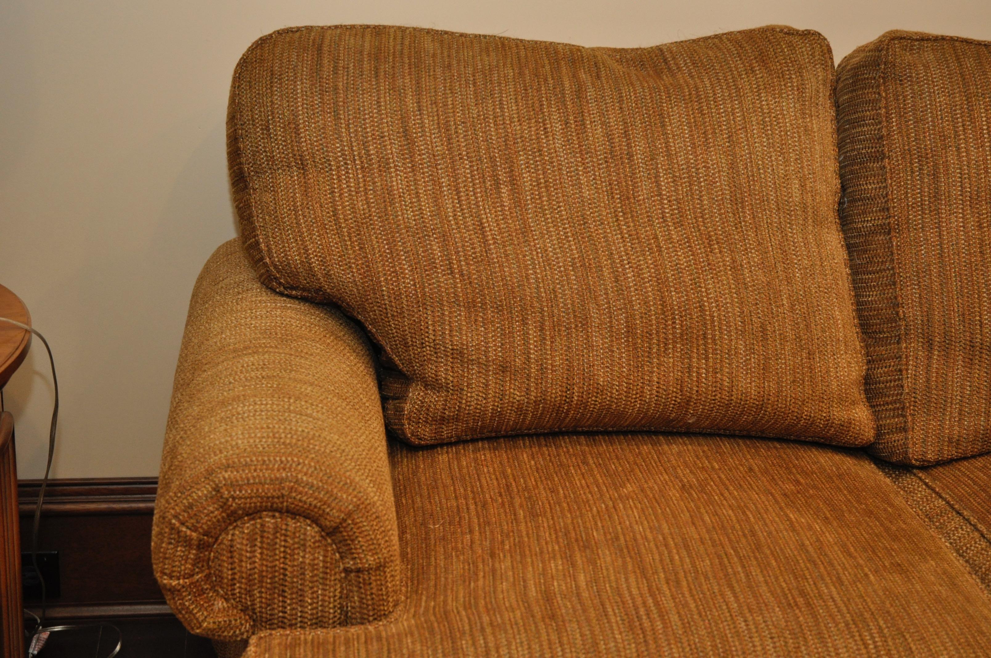 Mao Like New Henredon Lawson Arm Chenille Sofa Sectional