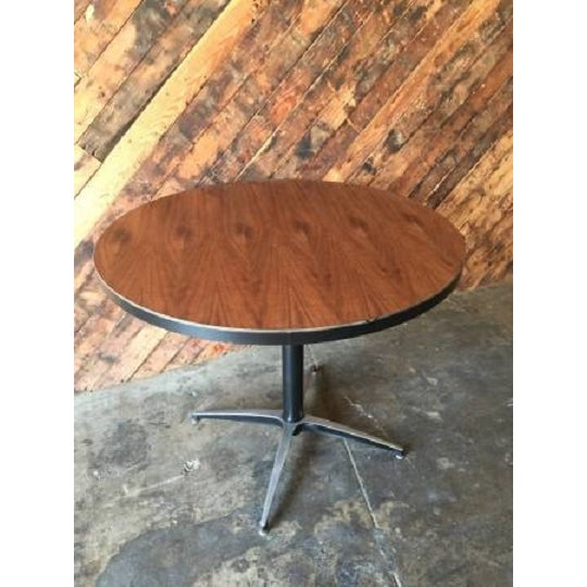 Image of Mid-Century Round Dining Table With Chrome Base