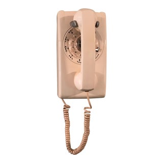 Vintage White Wall Rotary Phone