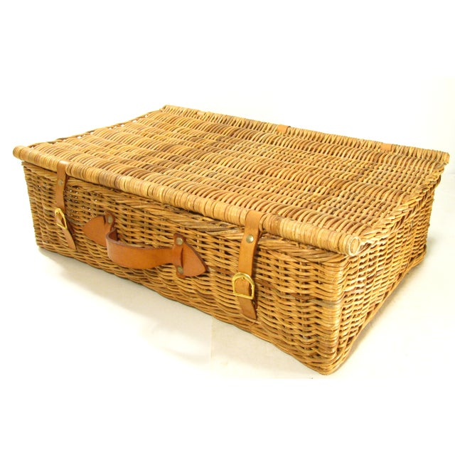 Picnic Basket Dish Set : Vintage dinnerware and cutlery picnic basket set chairish