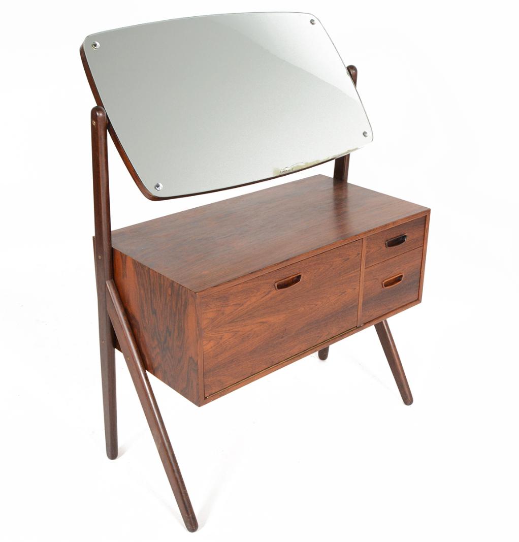 Vintage Amp Used Brown Vanities Chairish