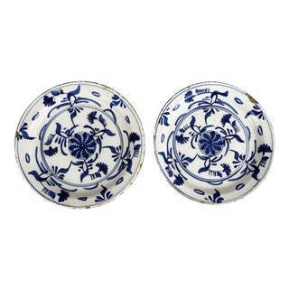 18th-Century Delft Chinoiserie Plates - A Pair