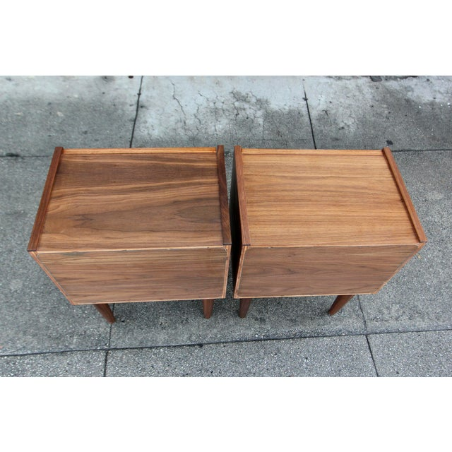 Mid-Century American Walnut Nightstands - A Pair - Image 10 of 10
