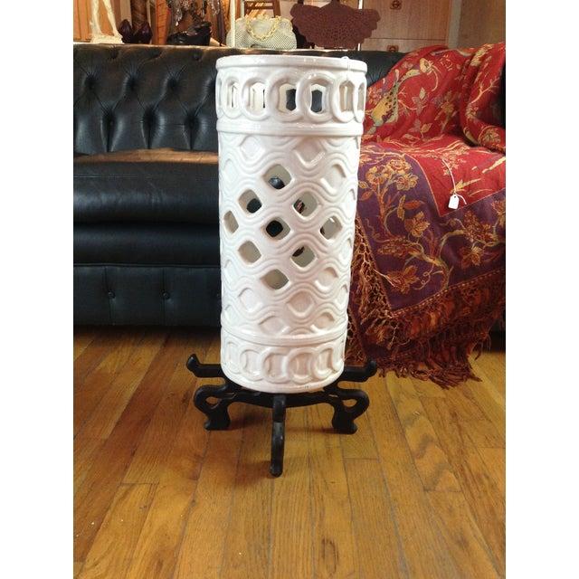 White Ceramic Umbrella Stand - Image 2 of 11