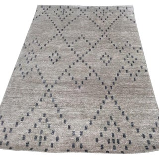 Contemporary Diamond Pattern Grey Rug  - 4' x 6'
