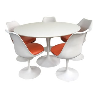 Eero Saarinen Tulip Dining Set by Knoll