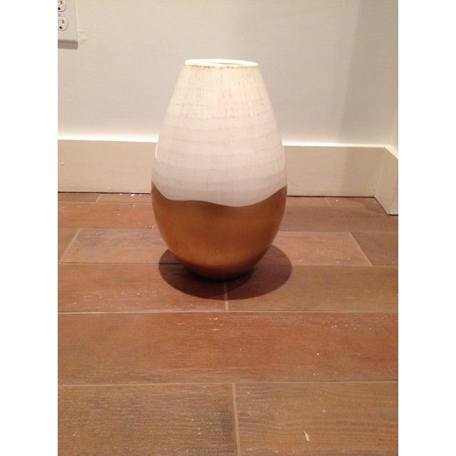 Antiqued Italian White & Gold Ceramic Vase - Image 5 of 5