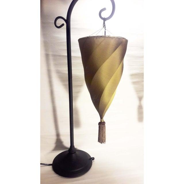 Contemporary Silk Cesendello Spiral Hanging Light Table