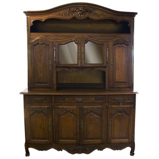 1930s Vintage Walnut Hutch