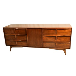 Mid Century Modern Sculpted Dresser Sideboard in the Style of Vladimir Kagan