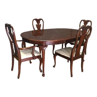Traditional Thomasville Oval Dining Table Set