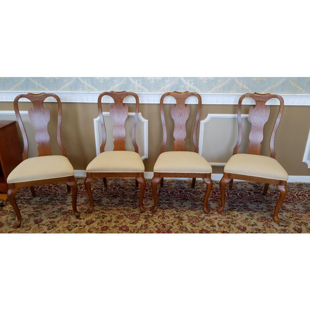 of 1990s carleton oak drexel heritage queen anne round dining room set