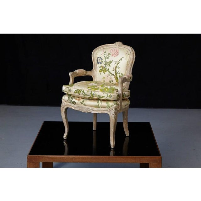 French Louis XV Style Painted Child's Fauteuil in Flower Chintz Fabric from ABC - Image 3 of 10