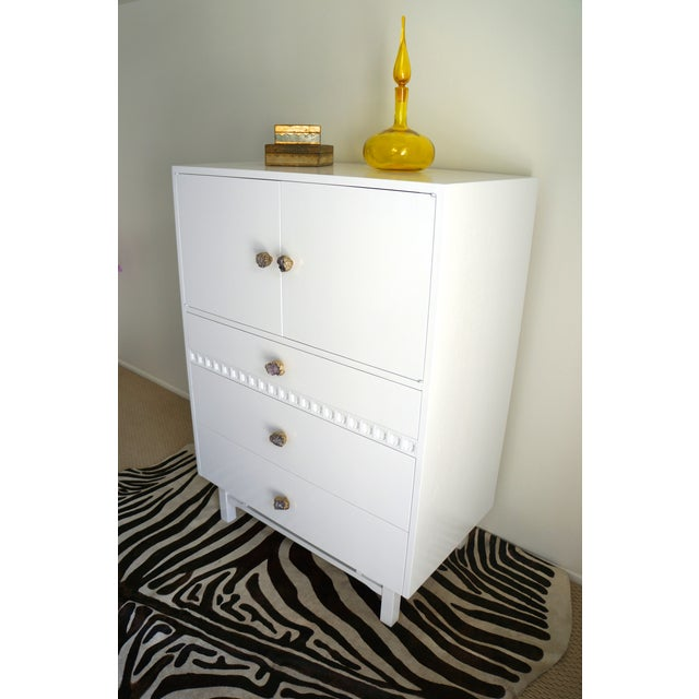 Mid-Century White Crystal Stone Pull Cabinet - Image 4 of 11