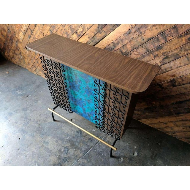 Mid Century Free Standing Bar with 2 Vinyl Stools - Image 9 of 11