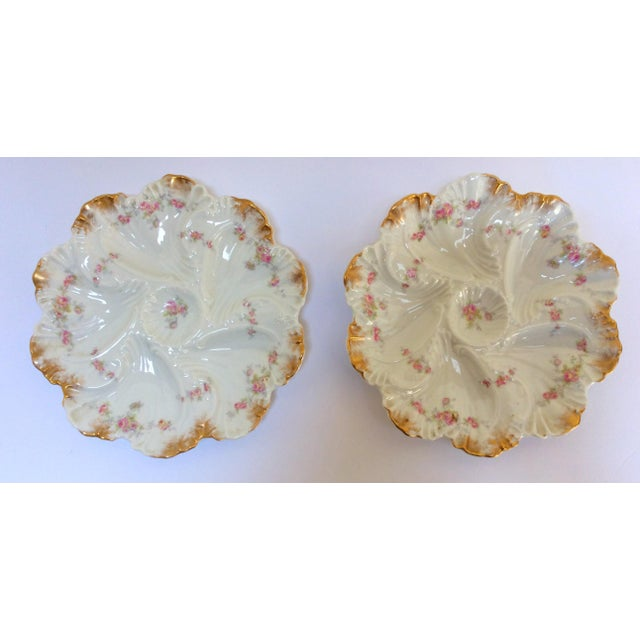 A. Lanterie French Oyster Plates - A Pair - Image 2 of 3