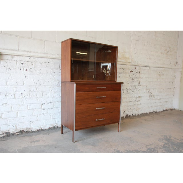 Paul McCobb for Calvin Four-Drawer Chest of Drawers with Glass Front Hutch - Image 3 of 11