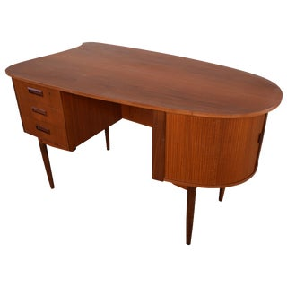 Vintage Danish Modern Teak Kidney Desk in the Style of Kai Kristiansen Model 54