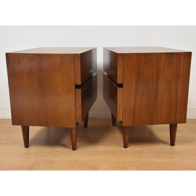 American of Martinsville Walnut Nightstands- a Pair - Image 4 of 8