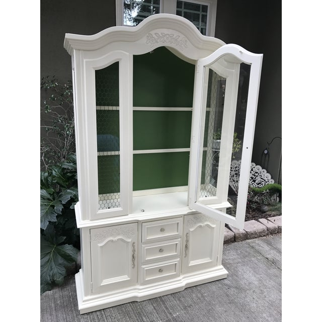 Vintage Stanley French Style China Cabinet - Image 6 of 7
