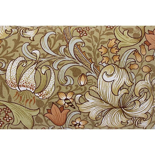 William Morris Lilly Pillows - A Pair - Image 3 of 4