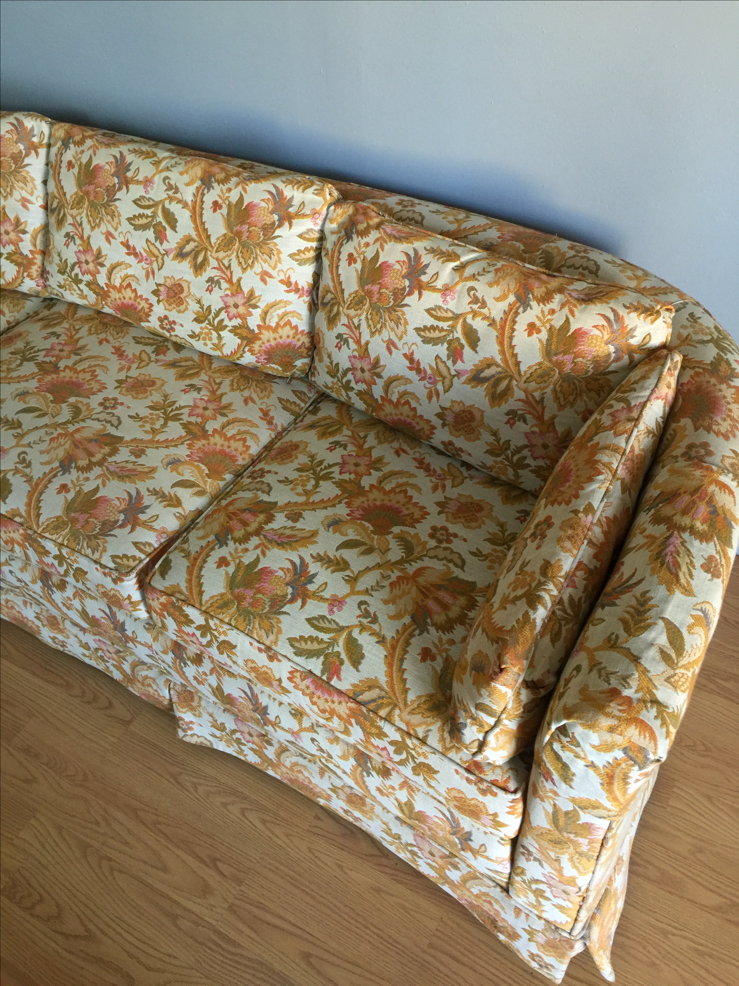 Drexel Mid Century Hollywood Regency Floral Curved Back Sofa   Image 3 Of 6