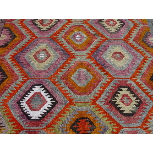 "Vintage Handwoven Turkish Kilim Rug - 5'9"" x 8' - Image 4 of 11"