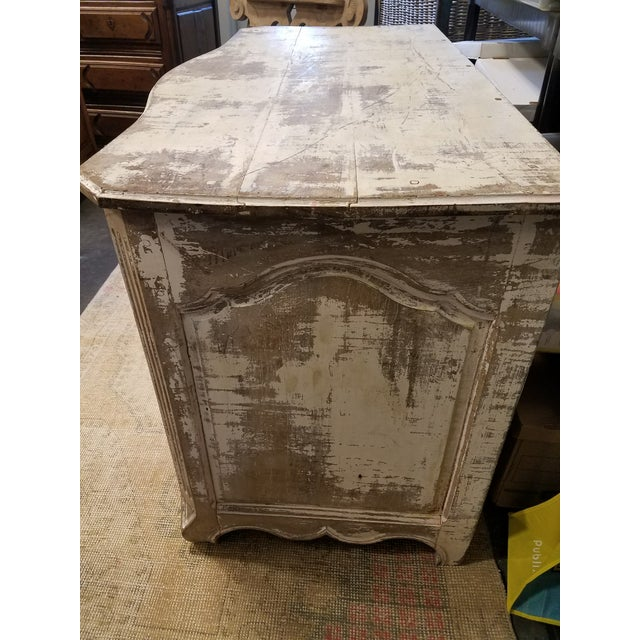 Antique White Painted Louis XV Three Drawer Commode With Serpentine Front - Image 3 of 8