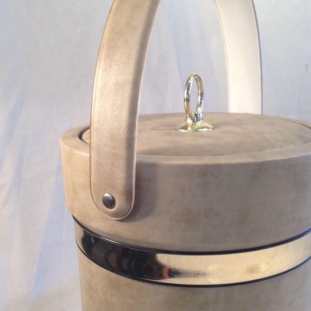 Mid-Century Camel Vinyl Ice Bucket - Image 5 of 6