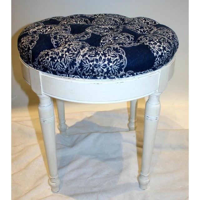 Image of Tufted Round Vanity Bench