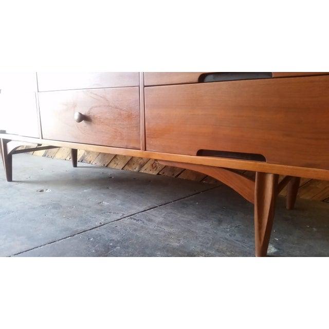 9-Drawer Mid-Century Dresser - Image 6 of 6