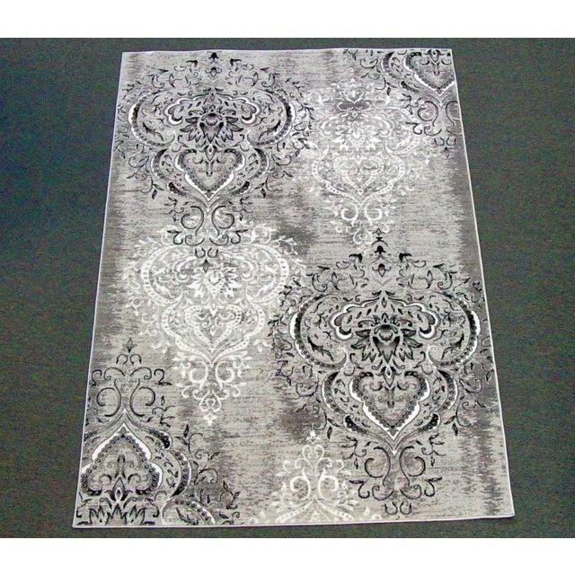 Damask Gray & White Rug 5'3''x 7'7'' - Image 2 of 5