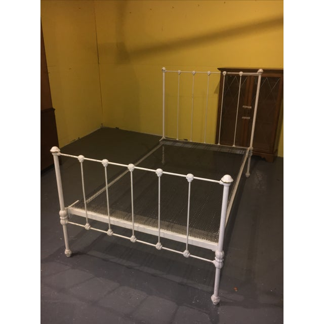 1904 Antique Victorian Brass & Iron White Bed - Image 10 of 11