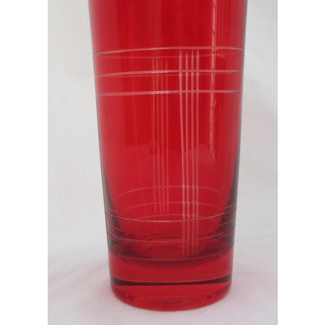 Christmas Red Glass Cocktail Shaker - Image 4 of 5