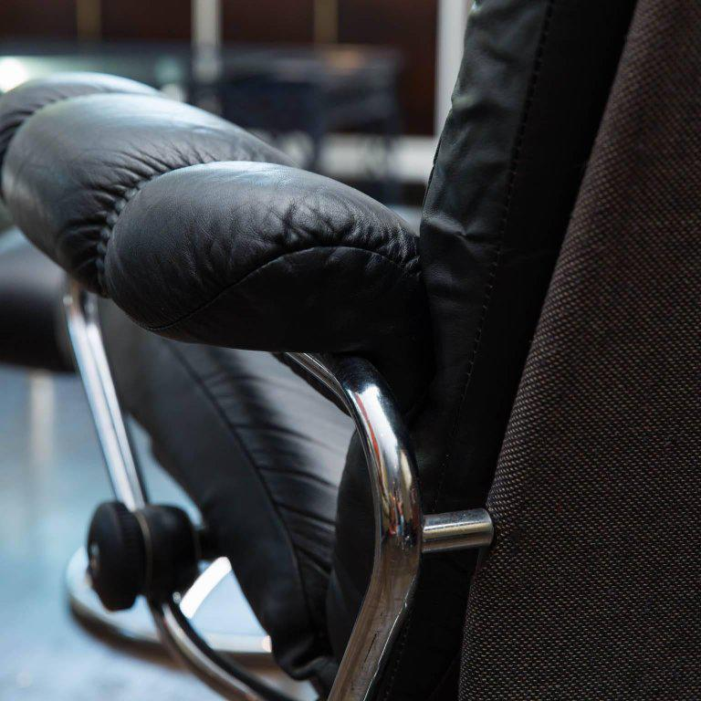 Vintage Ekornes Leather Stressless Recliner and Ottoman - Image 5 of 10 & Superior Vintage Ekornes Leather Stressless Recliner and Ottoman ... islam-shia.org