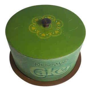 Green Metal Kitchen Maid Cake Saver With Base and Wood Top Pull