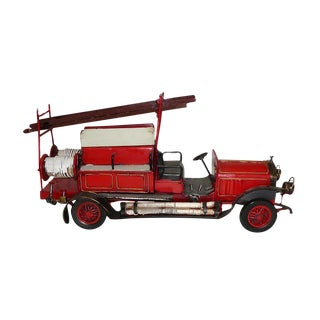 Handmade Metal Collectible Classic Model Red Fire Fighter Model Truck