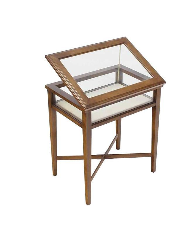Small Lift Top End Table Display Case   Image 8 Of 8