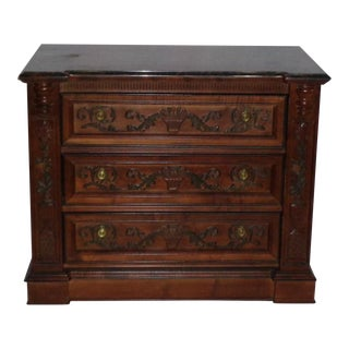 Traditional Style Chest of Drawers