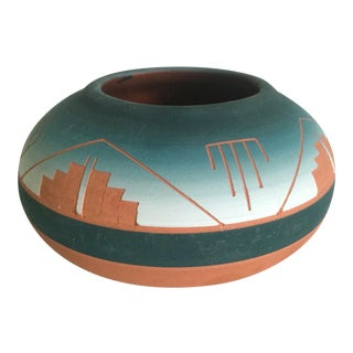 Vintage Signed Native American Sioux Swallow Teal Ombre Terra Cotta Etched Vase