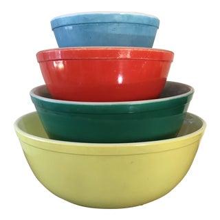 Vintage Pyrex Mixing Bowls - Set of 4