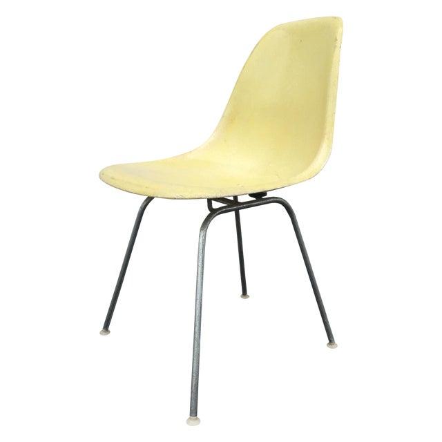 midcentury modern charles eames fiberglass chair chairish. Black Bedroom Furniture Sets. Home Design Ideas
