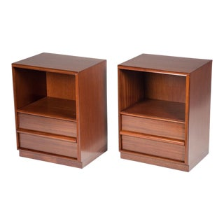 T.H. Robsjohn-Gibbings for Widdicomb Mid-Century Nightstands - a Pair