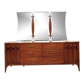 Kent Coffey Perspecta Bedroom Dresser With Mirror