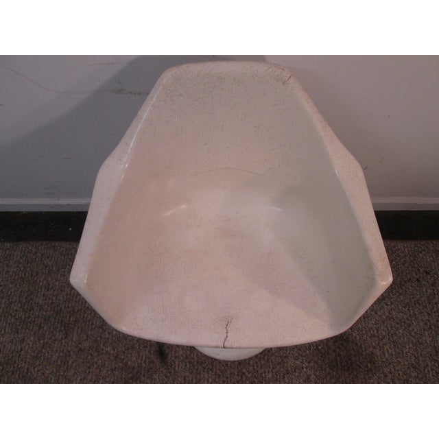 Mid Century Modern Eero Saarinen Tulip Base Chair - Image 4 of 11